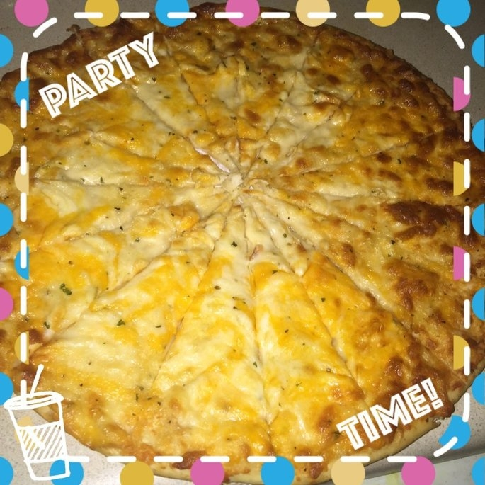 Sam's Choice Thin Crust 7 Cheese Pizza, 14.2 oz uploaded by Stacy K.