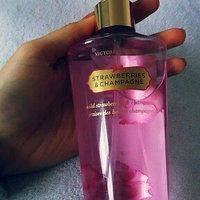Victoria's Secret Strawberries & Champagne Mist uploaded by Bui H.