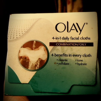 Photo of Olay Daily Facials Daily Clean 4-in-1 Water Activated Cleansing Cloths uploaded by Anna D.
