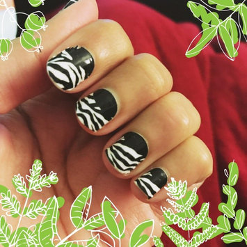 Photo of Sally Hansen® Salon Effects Real Nail Polish Strips uploaded by Sana A.