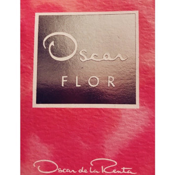 Oscar Flor by Oscar De La Renta Eau De Parfum Spray 3.4 oz for Women uploaded by Melissa H.