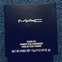 M.A.C Cosmetics Studio Fix Powder Plus Foundation uploaded by LEAR25944 Fabiana D.
