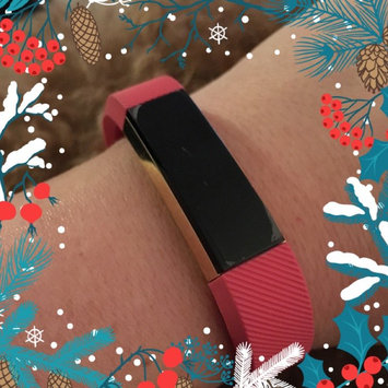 Fitbit 'Alta' Wireless Fitness Tracker, Size Small - Black uploaded by Jennifer W.