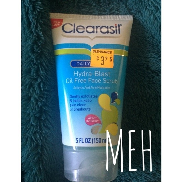 Clearasil Daily Clear Hydra-Blast Oil Free Face Scrub uploaded by Jordan P.
