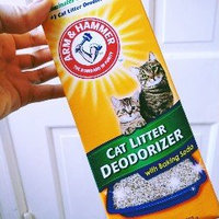ARM & HAMMER™ Cat Litter Deodorizer Powder uploaded by Maya M.