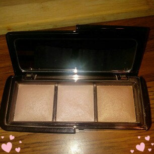 Hourglass Ambient Lighting Palette uploaded by Elizabeth S.