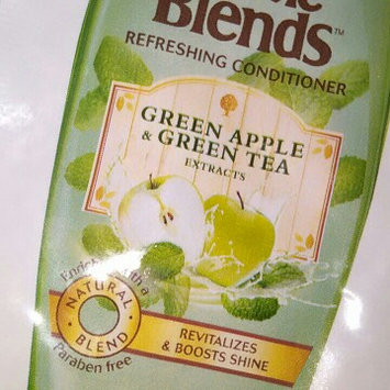 Photo of Garnier Whole Blends Green Apple & Green Tea Extracts Refreshing Conditioner uploaded by Whitney G.