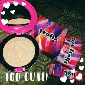 M.A.C Good Luck Trolls Beauty Powder-GLOW RIDA-One Size uploaded by OnDeane J.
