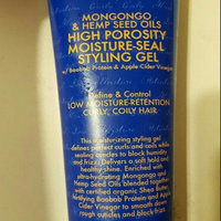 SheaMoisture Mongongo & Hemp Seed Oils High Porosity Moisture-Seal Styling Gel uploaded by Kivani T.