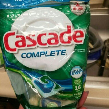 Photo of Cascade Complete Pacs Fresh Scent Dishwasher Detergent uploaded by Shiela D.