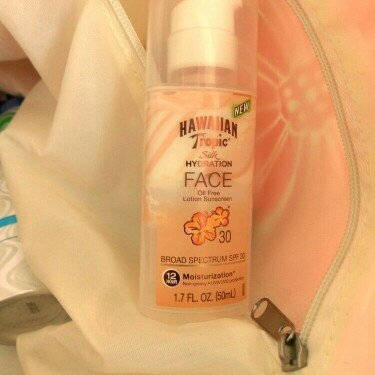 Hawaiian Tropic Silk Hydration Sunscreen Face Lotion with SPF 30 - 1. uploaded by Jennifer G.