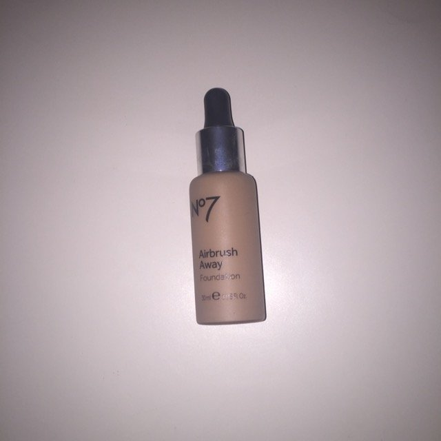 Boots No7 Airbrush Away Foundation uploaded by Adrilyn G.