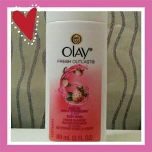 Olay Fresh Outlast Body Wash, Cooling White Strawberry & Mint, 13.5 fl oz uploaded by ec408e c.