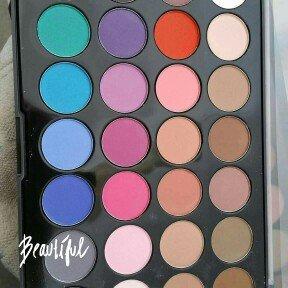 Modern Mattes - 28 Color Eyeshadow Palette uploaded by Helen G.