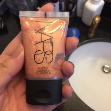 NARS Illuminator uploaded by Amy Z.