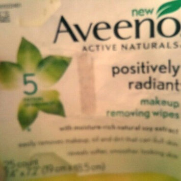 Photo of Aveeno® Active Naturals Positively Radiant Makeup Removing Wipes uploaded by Lyndy D.