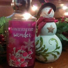 Photo of Bath & Body Works Winterberry Wonder Shower Gel uploaded by Amanda L.