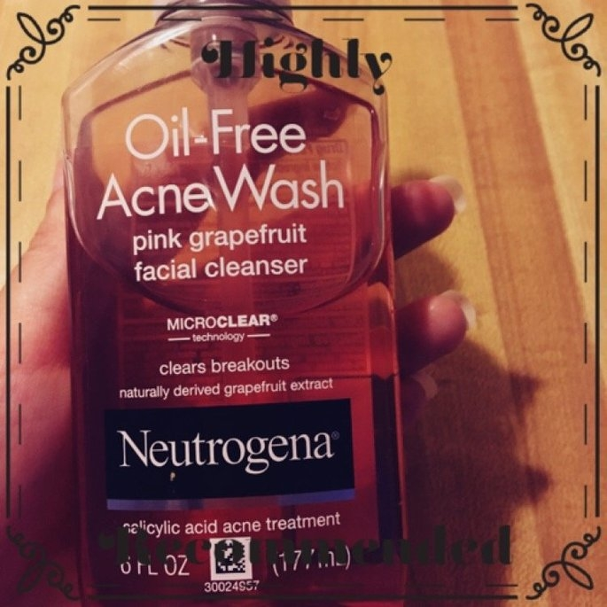 Neutrogena Oil-Free Pink Grapefruit Acne Wash Facial Cleanser uploaded by Dina A.