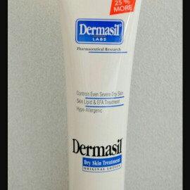 Dermasil Labs Dermasil Dry Skin Treatment, Original Formula 10 Oz Tube uploaded by Sydney C.
