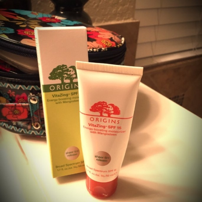 Origins VitaZing SPF 15 Energy-Boosting Moisturizer with Mangosteen uploaded by Alyssa R.