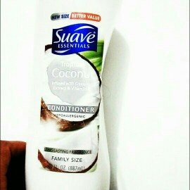 Photo of Suave Essentials Tropical Coconut Conditioner 30 oz uploaded by Miulbin G.