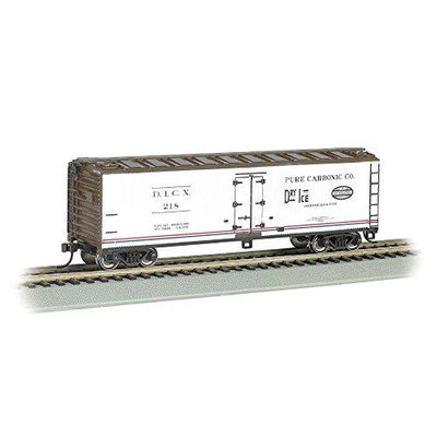 BACHMANN 19805 40 Wood Reefer Pure Carbonic Company HO Multi-Colored