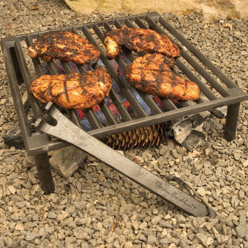 The Companion Group SR8024 Cast Iron Tuscan Grill / 14