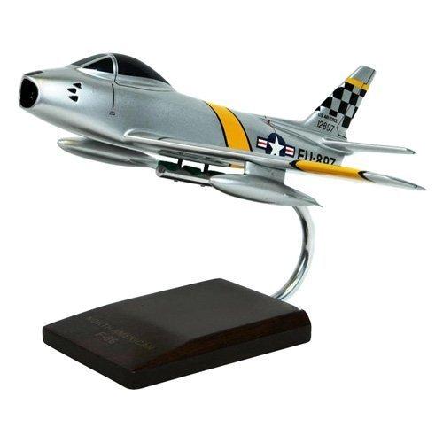 Daron Worldwide Trading B1048 F-86F Sabre 1/48th AIRCRAFT