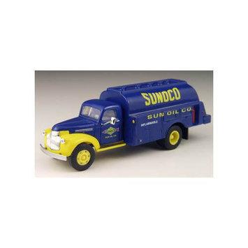 Classic Metal Works 221-30303 HO 1941-1946 Chevrolet Tank Truck - Assembled - Mini Metals(R) - .