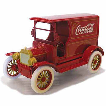 Motor City Classics 1:24 Scale 1917 Ford Model T, Red