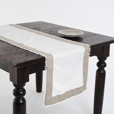 Saro Two-tone Knotted Border Ivory Table Runner