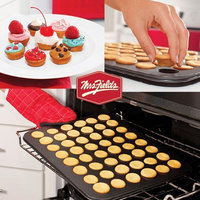 Mrs. Fields By Love Cooking Bakeware Innovations Cutie Cake and Scoop N Cut Set