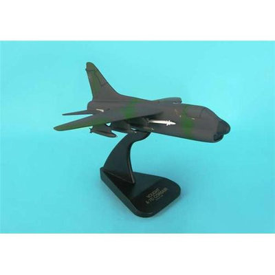 Daron Worldwide Daron B3948 A-7D Usaf Corsair Ii