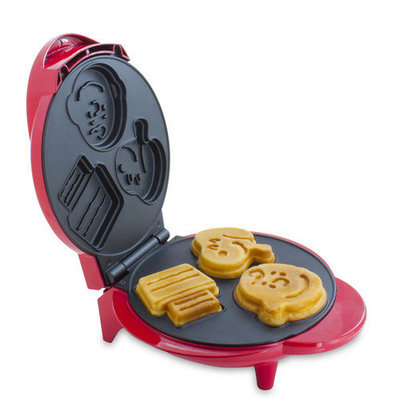 Smart Planet WM6S Peanuts Snoopy and Charlie Brown Waffle Maker, Red