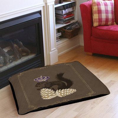 Thumbprintz Luxury Lodge Squirrel Indoor/Outdoor Pet Bed Size: 28