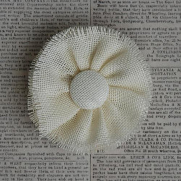 Maya Road BUR2750 Vintage Burlap Medallion Mum 3.5-Cream