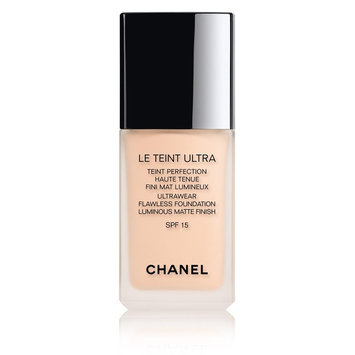 CHANEL Le Teint Ultra Ultrawear Flawless Foundation Luminous Matte Finish SPF 15