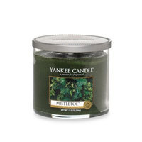 Yankee CandleA HousewarmerA Mistletoea ¢ Medium Lidded Candle Tumbler