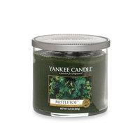 Yankee CandleA HousewarmerA Mistletoea ¢ Medium Lidded Candle Tumbler