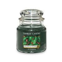 Yankee CandleA HousewarmerA Balsam and Cedara ¢ Medium Classic Candle Jar
