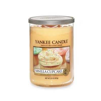 Yankee CandleA HousewarmerA Vanilla Cupcake Large Lidded Candle Tumbler