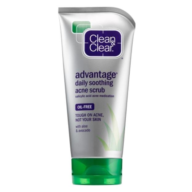 Clean & Clear Advantage Daily Soothing Scrub
