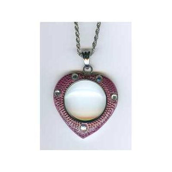 4x Pendant Magnifier in Pink Heart Frame