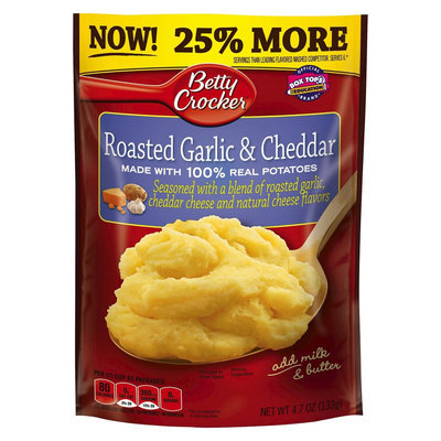 Betty Crocker Mashed Potato Roasted Garlic & Cheddar Pouch 4.7 oz