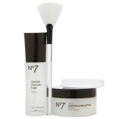 Boots No7 Advanced Renewal Anti-Ageing Glycolic Peel Kit