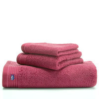 Southern Tide Performance Bath Towel Color: Raspberry Ice