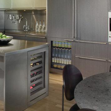 U-Line U3024RGLINT01A 4.9 cu. ft. Built-in Compact Refrigerator