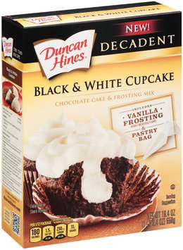 Duncan Hines® Decadent Black & White Cupcake Cake & Frosting Mix 19.4 oz. Box