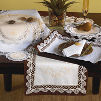 Saro 'Giselle' White Cluny Lace Table Runner