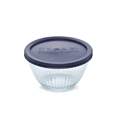 Pyrex Serveware Sculptured 3-Cup Bowl